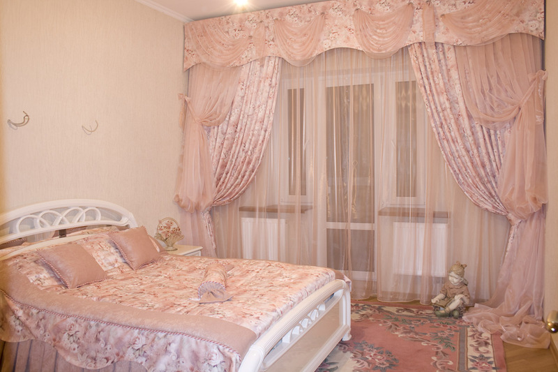 Шторы для спальни  модерн